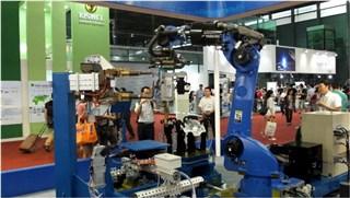 新型机器人点焊系统
